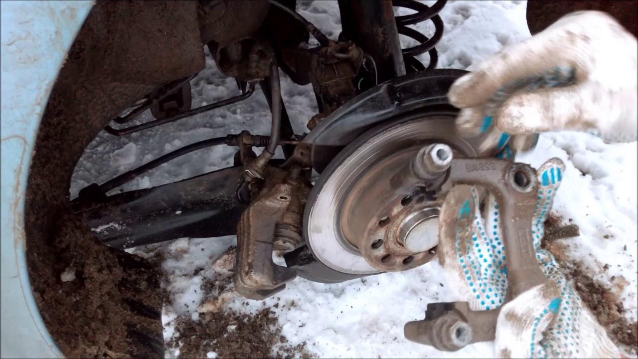 Замена задних тормозных колодок шкода октавия а7